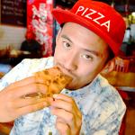 ニューヨーク中の$1ピザを食べ尽くす男。$1に賭けた狂気