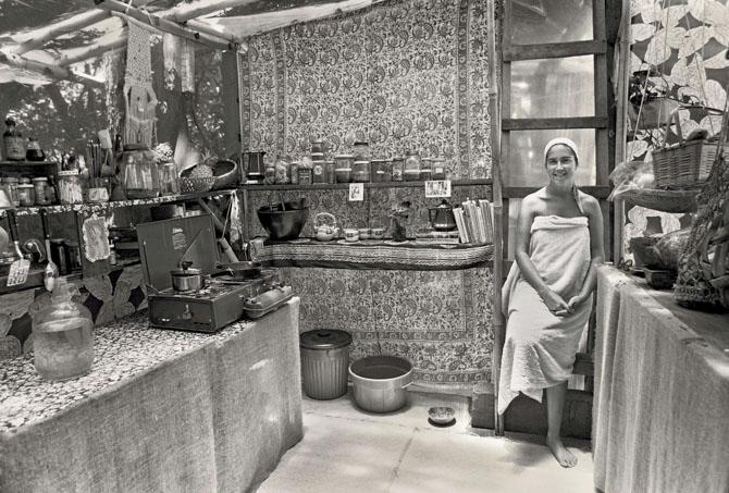 22. Debi in the kitchen_14 2a