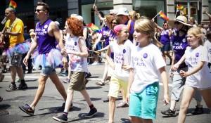 LGBTキッズたちが気軽に集まれるのは、20歳が経営する小さな「雑貨店」