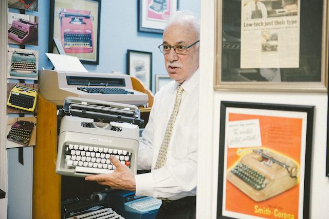 Gramercy Typewriter-86