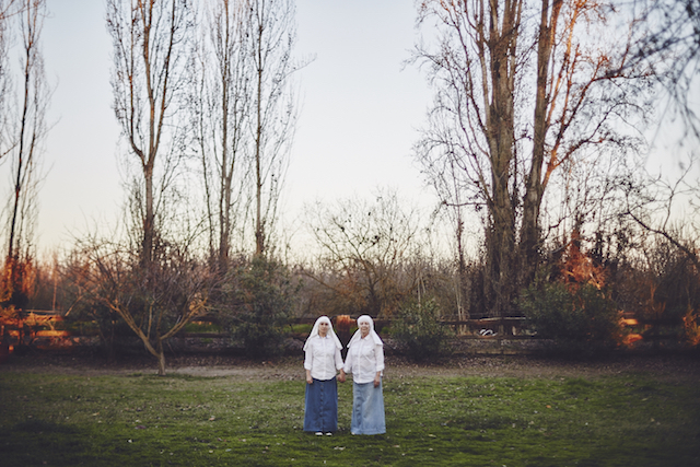 1066_SISTERS_OF_THE_VALLEY_A-3345