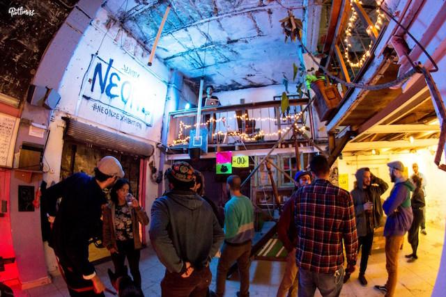 prettimess collective neonz exhibition01
