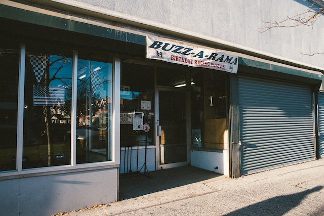 Buzz A Rama-69