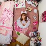 """55ヶ国1200人、若者のベッドルーム。 天井から覗く""""世界の世代のリアル""""「My Room Project」"""