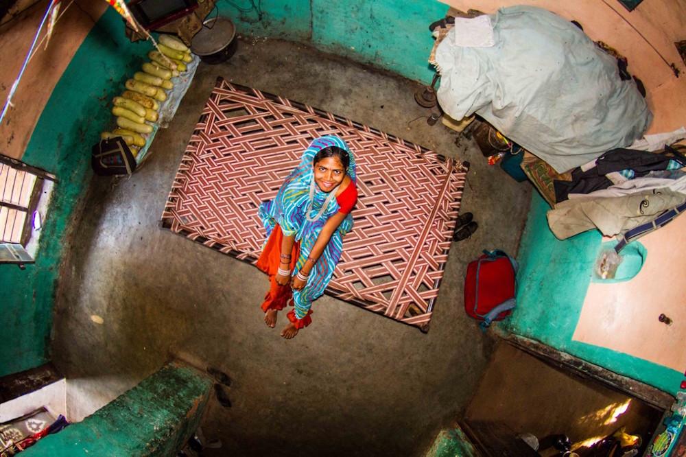 thumbnail_ROOM#348 - ASHA - 17years old -Housewife - Bamansemilya - India