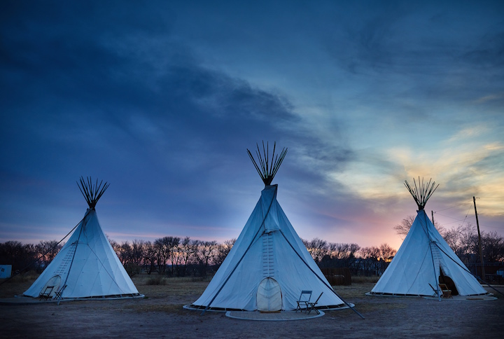 El+Cosmico+-+Teepees+Sunset+-+Nick+Simonite