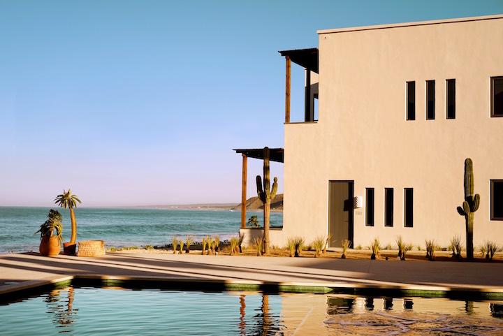 -Hotel+San+Cristóbal+Punta+Lobos+-+Hotel+Exterior+x+Ocean+-+by+Pia+Riverola