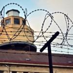 #008 「厳粛な法廷で。大山せんせい、盛大に吹き出す」—【連載】「超悪いヤツしかいない」。米国・極悪人刑務所の精神科医は日本人、大山せんせい。