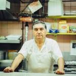 20年間、旨い早い安い「ブルーカラーの大衆食堂」。マンハッタン、親父さん一人の極小・厨房物語