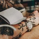 欧米各地ミレニアルズによる「アナログ腕時計の新興ブランド」が同時多発&成長中。その要因は?
