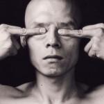 SUNDAY ART SCROLL -リアルタイムで芸術速報/あのアイ・ウェイウェイの作品も。中国90年代前衛フォトグラフィー『 Body, Self, Society: Chinese Performance Photography of the 1990s』