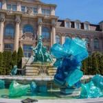"""SUNDAY ART SCROLL -リアルタイムで芸術速報/""""ガラス""""に取り憑かれたアーティストが咲かせた「ガラスの花の庭」を歩く"""