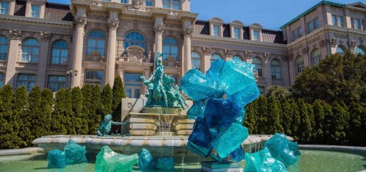 NYBG_CHIHULY_12-Blue_Polyvitro_Crystals_2017 22