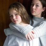"""「信頼とか理解とか、比較とか嫉妬とか」人間関係で最も複雑な""""歳の近い姉妹""""。同じ世代、近すぎる二人"""
