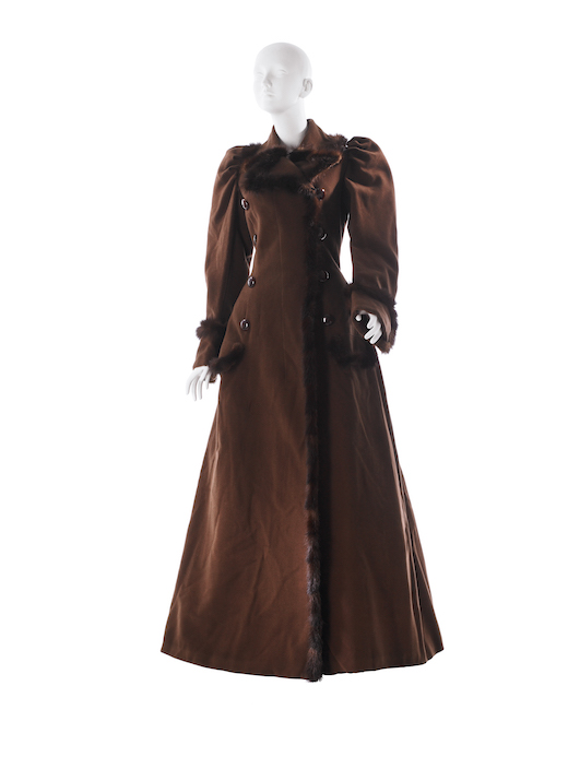 Coat in cocoa brown duvetyn with mink trim