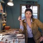 シェフとコレクターが望んで止まないナイフ。評判の女鍛冶屋は女体の曲線を思い描きながら刃物を磨く