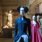 SUNDAY ART SCROLL -リアルタイムで芸術速報/バチカン国外で未見の装飾品も。〈カトリック×ファッション〉話題の異色展覧会がMETで進行中