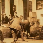 ギャング支配の禁酒法時代〈もぐり酒場〉の小話。政治家・警察はズブズブ、男女は入り混じって酒を飲む—Gの黒雑学
