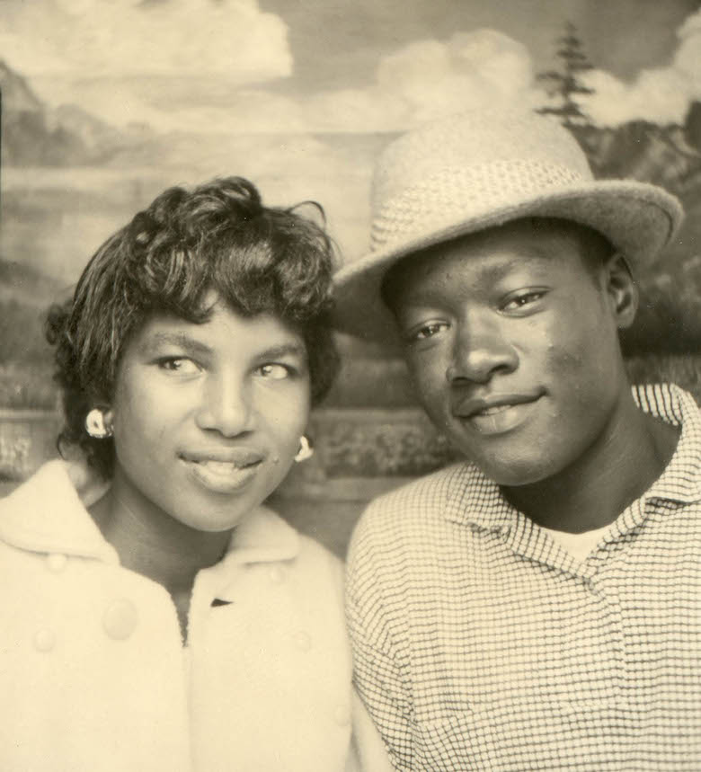 untitled_portrait_of_a_couple_from_traveling_photo_studio_unknown_photographer_around_1950-60